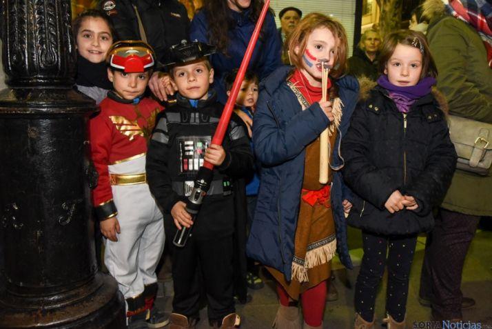 Foto 2 - Percusión, teatro y mucho disfraz infantil