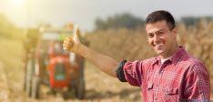 Los jóvenes tienen más fácil incorporarse al sector agrario.