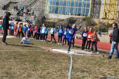 La primera jornada de atletismo en pista al aire libre se celebra en Los Pajaritos