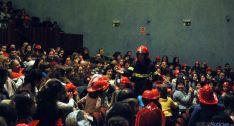 Los niños, entusiasmados con los bomberos./SN