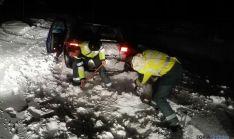 Agentes durante el rescate.