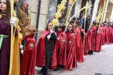 Foto 6 - Los niños protagonizan la procesión de la Borriquilla que inicia la Pasión