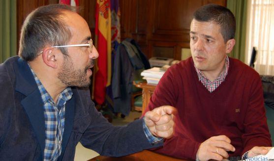 Luis Rey y Jesús Rivera en su reunión en el Palacio Provincial.