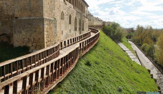 Imagen de un tramo de la muralla de Almazán. / SN