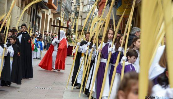 En la procesión de la Borriquilla participan todas las cofradías