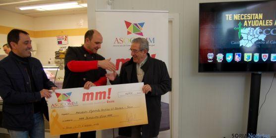 Pablo Arlegui entrega el vañe a Fernando Ligero