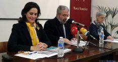 Elsa Amatriain (izda.), Elías Terés y María Luisa Revilla este viernes. / SN