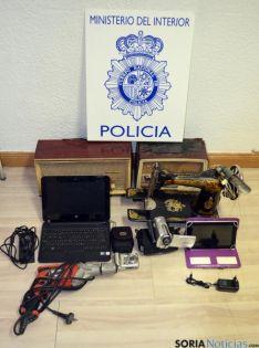 Los objetos recuperados por la policía.