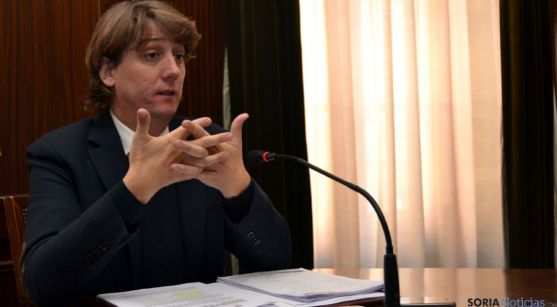 Carlos Martínez Mínguez, en una rueda de prensa municipal. / SN