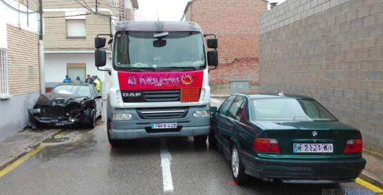 Los vehículos involucrados en el lugar del accidente. / SN