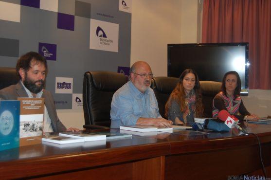 Amancio Martínez con los autores de los libro presentados