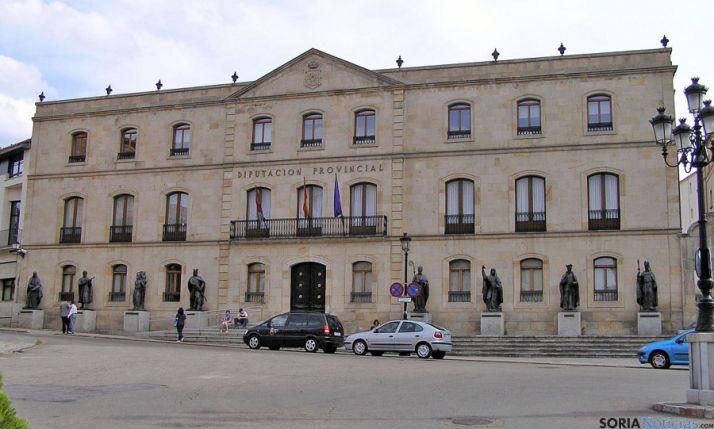 Fachada principal del Palacio provincial.