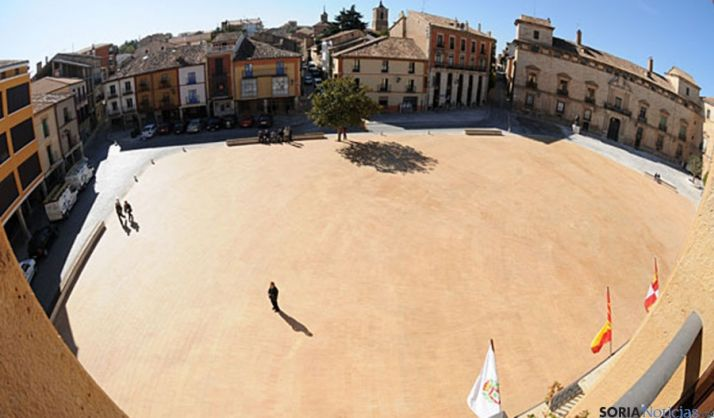 Imagen de la plaza Mayor de Almazán. / SN