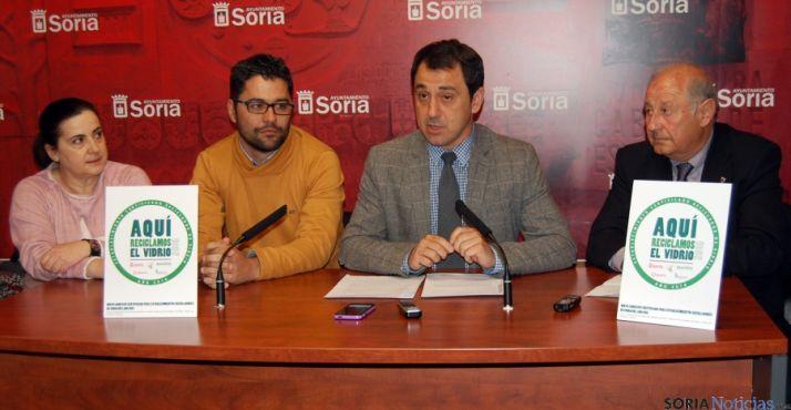 Carmen Lorenzo (izda.), José C. Agustina, Javier Muñoz y Vidal Gil este miércoles./Ayto