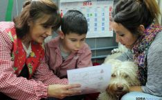 'Lola' estará medio año con los alumnos. / Jta.