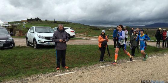 Soraya García, campeona femenina, durante la carrera. / FedeTriatlon CyL