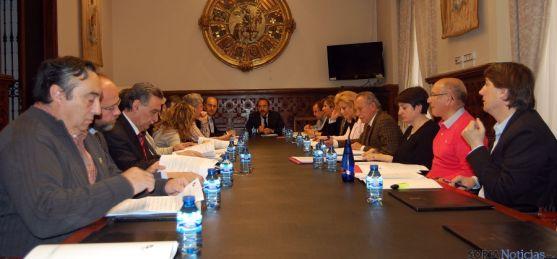 El Consejo Económico y Social reunido este lunes en la Diputación. / Dip.
