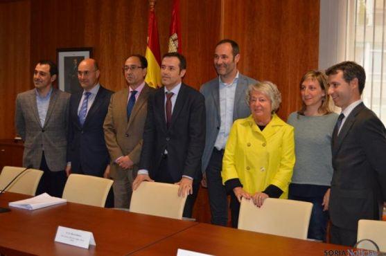 La reunión mantenida este miércoles en la Delegación Territorial en Soria. / SN