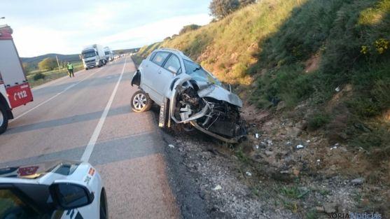 El herido ha quedado atrapado en el vehículo