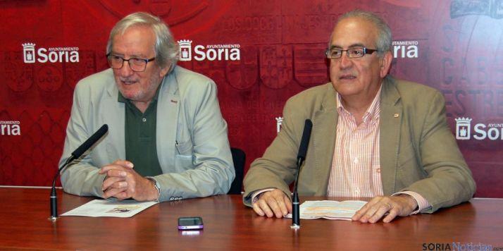 Bárez y Fernández, en la presentación del documental. / Ayto.