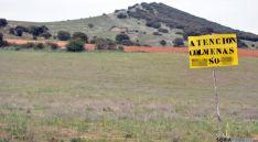 Un cartel señalizador de una explotación apícola en Soria./SN