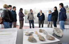 Manuel López con el equipo de Ambrona en las instalaciones del museo