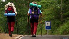 Dos peregrinos en la Ruta Jacobea.