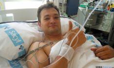 El jugador tras la intervención quirúrgica.