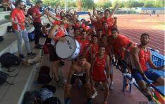 Los deportistas del club celebran su victoria en Alcorcón.