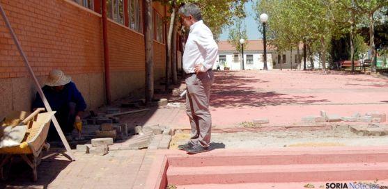 Javier Antón en su visita a las obras este martes.