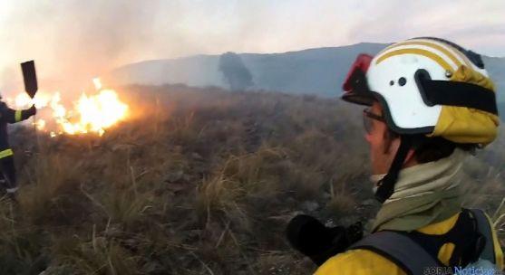 Un operario de la BRIF en un incendio forestal./SN