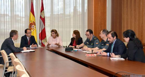 Reunión entre representantes de la Junta, la Fiscalía y la Guardia Civil este miércoles.