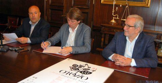Aceña, (izda.), Martínez y Bárez en la presentación del Otoño./Ayto.