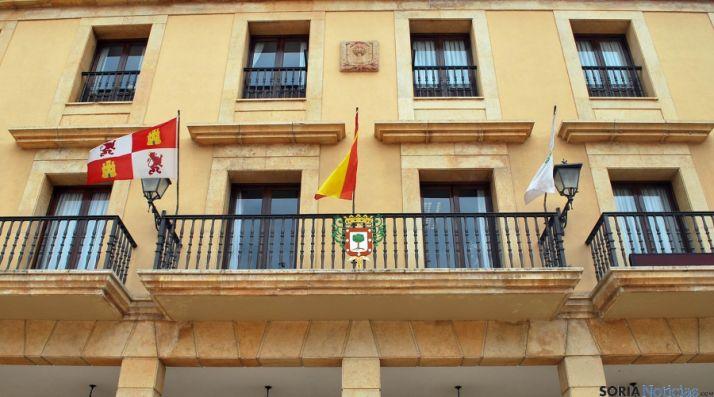 Balconada del ayuntamiento de Almazán. / SN