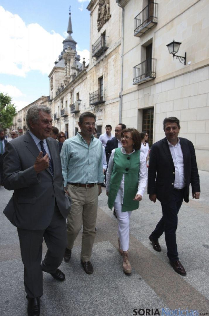 Imagen de la visita del ministro de Justicia este lunes en El Burgo./SN
