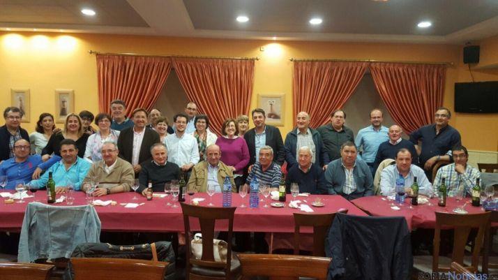 Foto 1 - Cena-coloquio de los afiliados del PP de la zona de Almazán