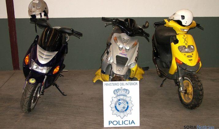 Las motos recuperadas por la Policía Nacional. / Subdeleg.