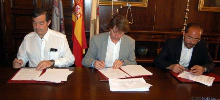 Firma del convenio del Semillero Soria
