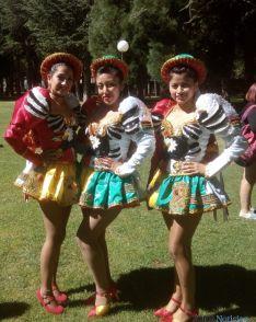 Imagen del desfile de la comunidad boliviana esta mañana. /SN