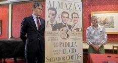Jorge Buendía (izda.) y José Antonio de Miguel, con el cartel de este año. / SN