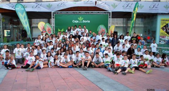 Imagen de familia de las Miniolimpiadas Joven In. / SN