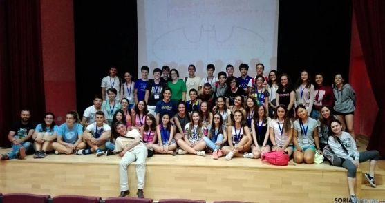 Estudiantes del campus científico de la Junta en su visita al Astronómico borobiano.