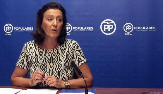 La concejal del PP María Pérez en rueda informativa.