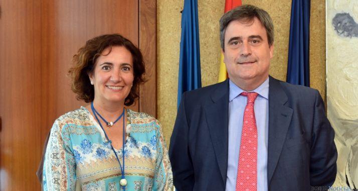 Josefa García Cirac y Miguel Cardenal este lunes. / Jta.
