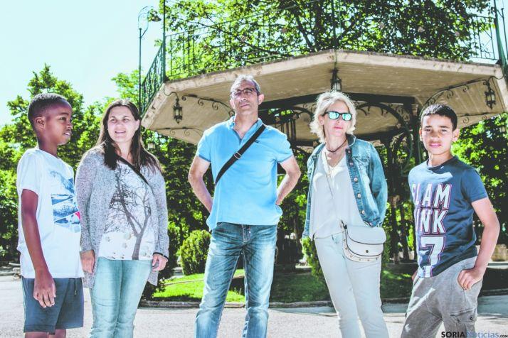 De izquierda a derecha: Mahmod, Yurena, Miguel Ángel, Rocío y Mohammed. /SN