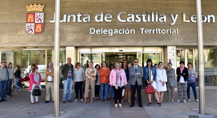 La concentración en la sede de la Junta. / Jta.