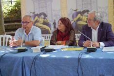 De izda. a dcha: Gonzalo Santonja, Fanny Rubio y Jesús Bárez.