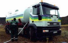 Un camión cisterna de la Diputación de Soria.