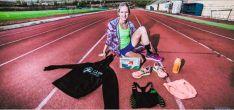 Estela Navascués en la pista de atletismo del antiguo campo de Los Pajaritos (Soria).