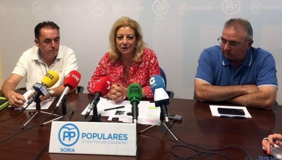 Ascensión Pérez, entre Benito Serrano (izda.), y Fidel Soria. / SN